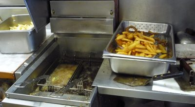 How To Correctly Use a Commercial Fryer